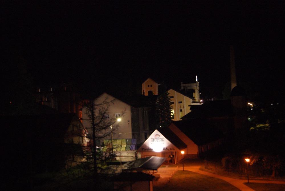 hoklba v noci