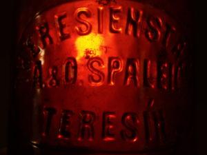 Stará pivní láhev Terezín